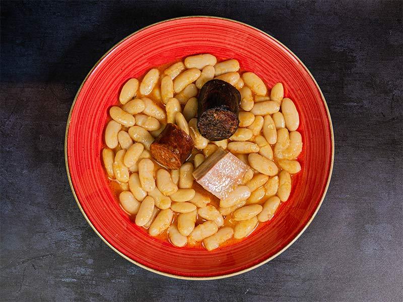 Fabada asturiana con su compango | Restaurante asturiano Couzapín
